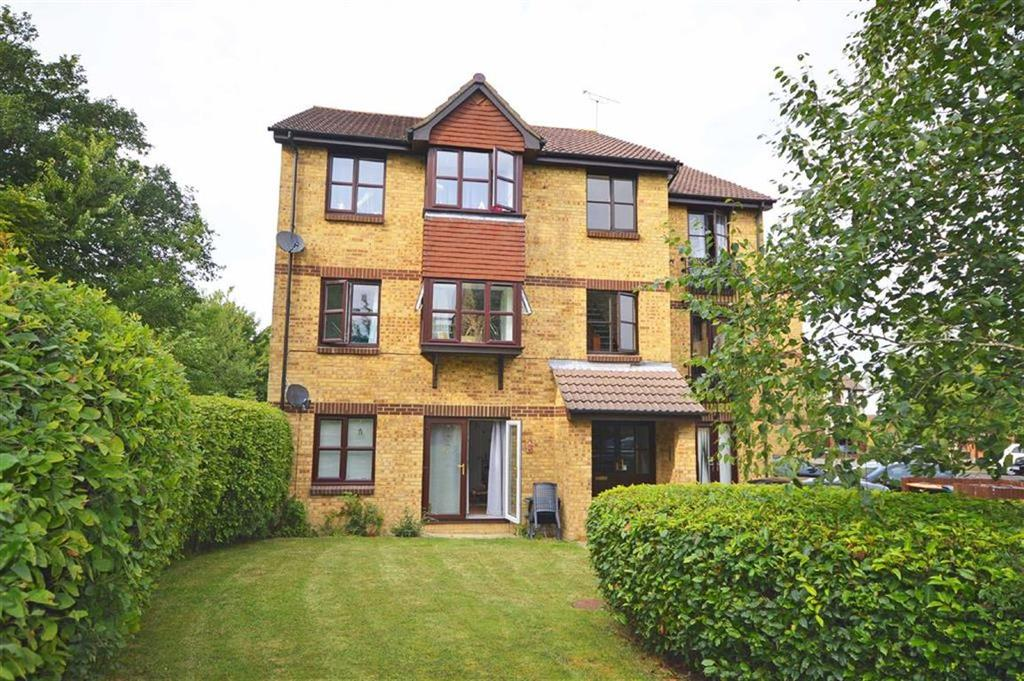 2 Bedrooms Flat for sale in Longacre Road, Ashford, Kent