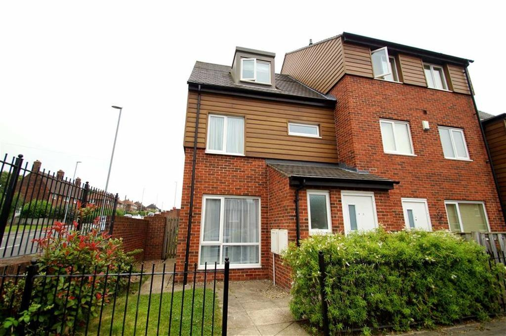3 Bedrooms Terraced House for sale in Pearsons Court, Leeds