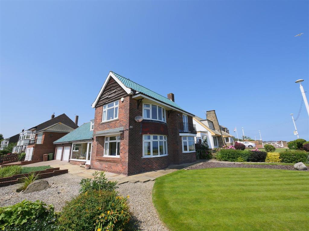 3 Bedrooms Detached House for sale in Side Cliff Road, Roker, Sunderland