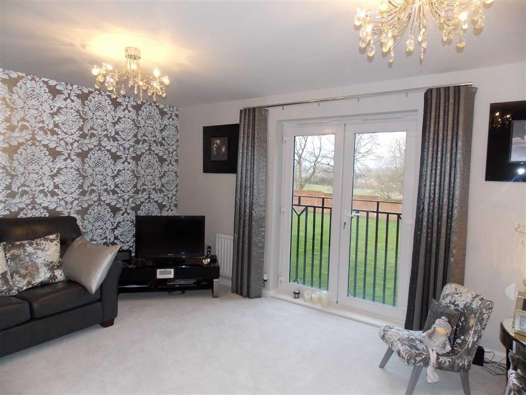 3 Bedrooms Apartment Flat for sale in Marmaville Court, Mirfield, Mirfield, WF14