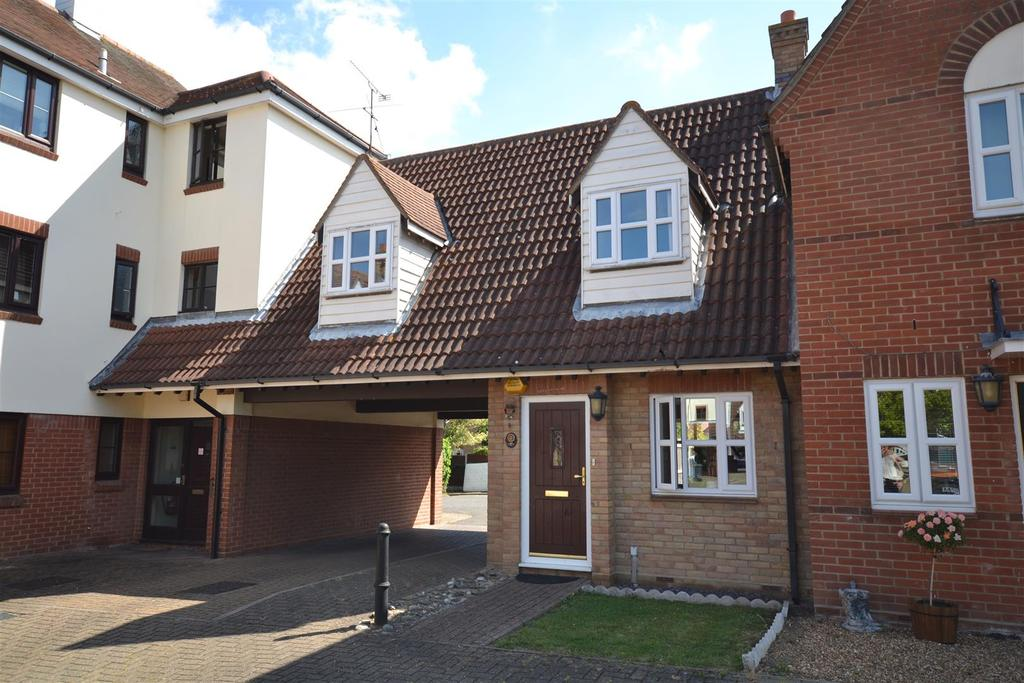 3 Bedrooms House for sale in Dawberry Place, South Woodham Ferrers, Chelmsford
