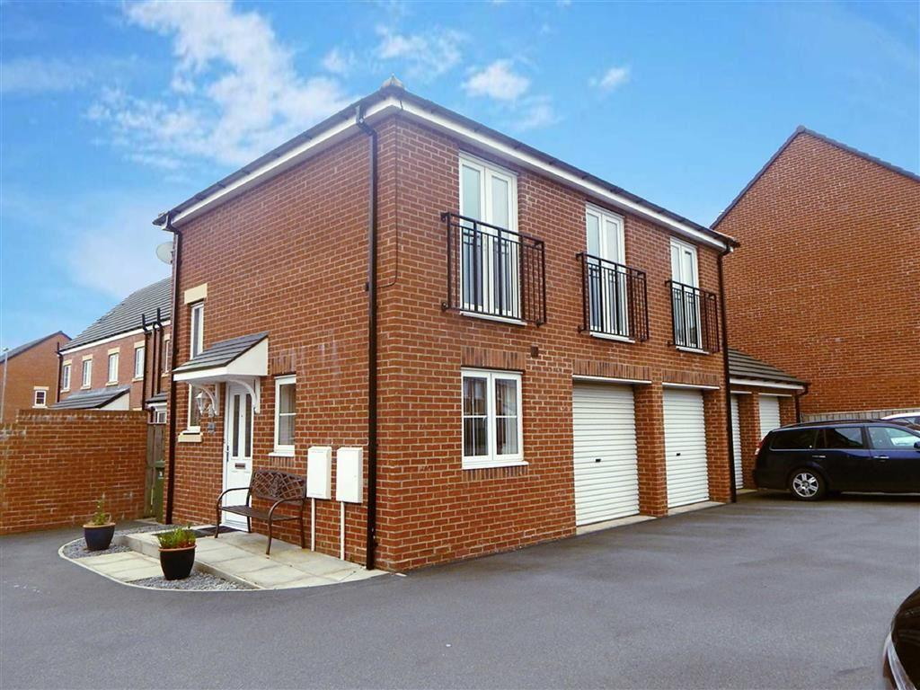 2 Bedrooms Semi Detached House for sale in Roxburgh Close, Seaton Deleval, Whitley Bay, NE25