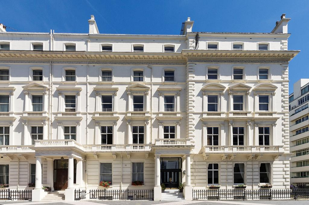 5 Bedrooms Ground Flat for rent in Princes Gate, London. SW7