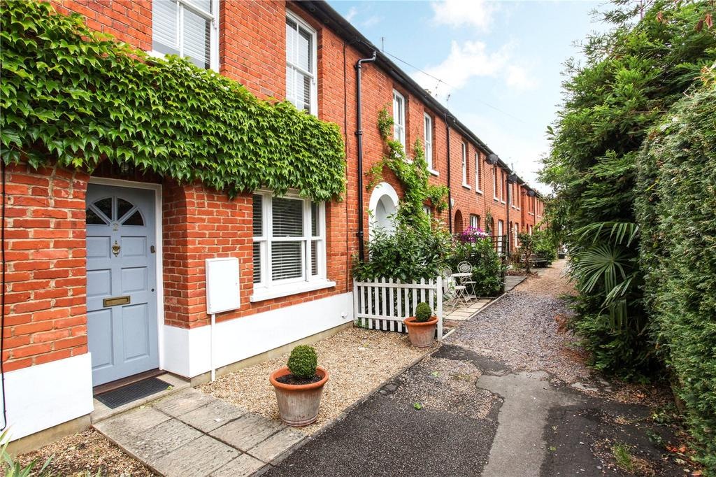 2 Bedrooms Terraced House for sale in The Terrace, Bray, Maidenhead, Berkshire, SL6