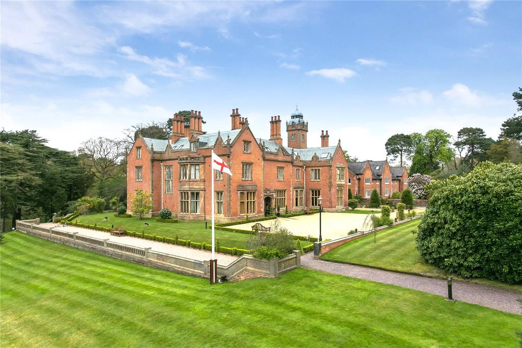 3 Bedrooms Flat for sale in Norcliffe Hall, Altrincham Road, Wilmslow, Cheshire, SK9