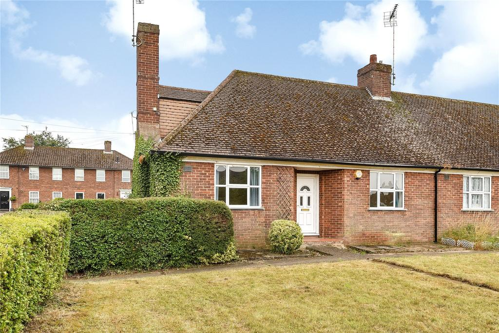 2 Bedrooms Bungalow for sale in Drakeloe Close, Woburn, Milton Keynes, Bedfordshire, MK17