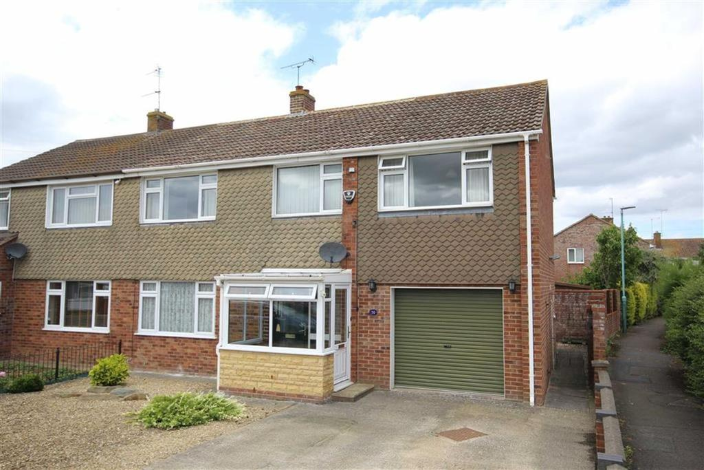 4 Bedrooms Semi Detached House for sale in Churchill Grove, Newtown, Tewkesbury, Gloucestershire