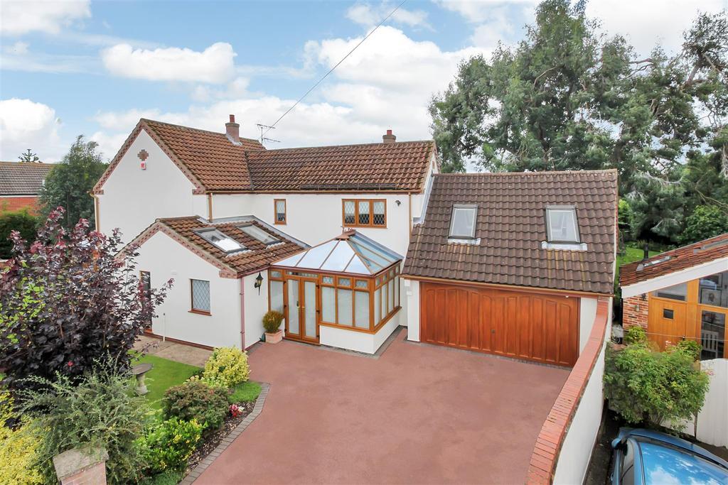 3 Bedrooms Detached House for sale in Davids Lane, Gunthorpe
