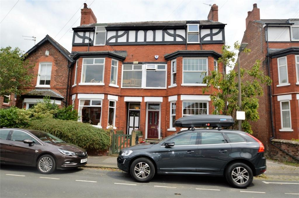 4 Bedrooms Terraced House for sale in Lynwood Grove, SALE, Cheshire