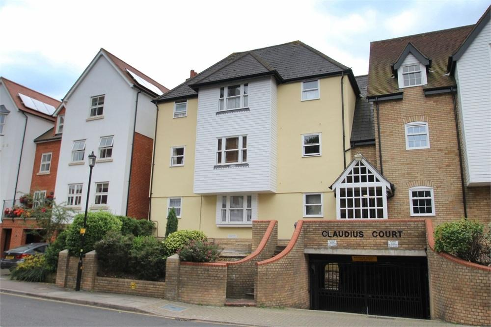 2 Bedrooms Flat for sale in St Peters Street, Colchester, Essex