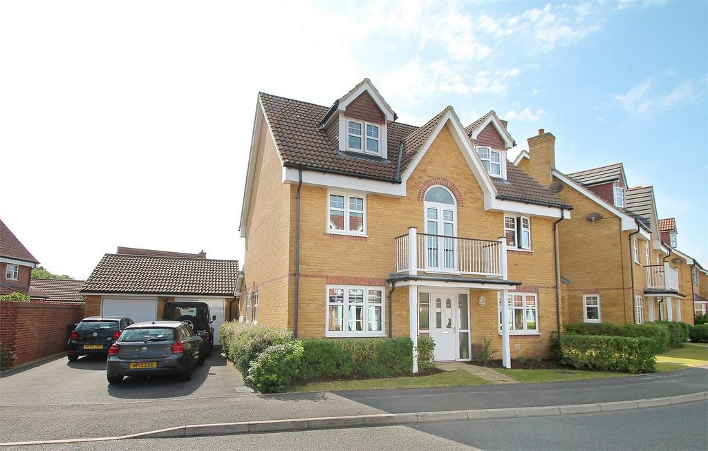 5 Bedrooms Detached House for sale in Proctor Drive, Lee-on-the-Solent, Hampshire