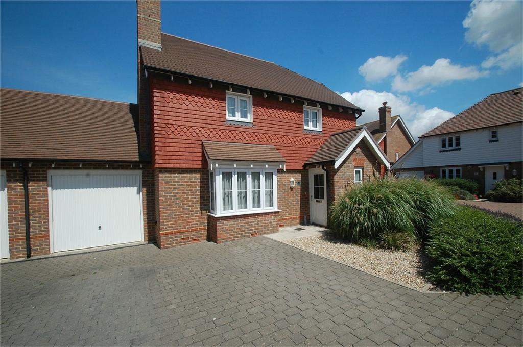4 Bedrooms Detached House for sale in School Lane, Lower Halstow, Kent
