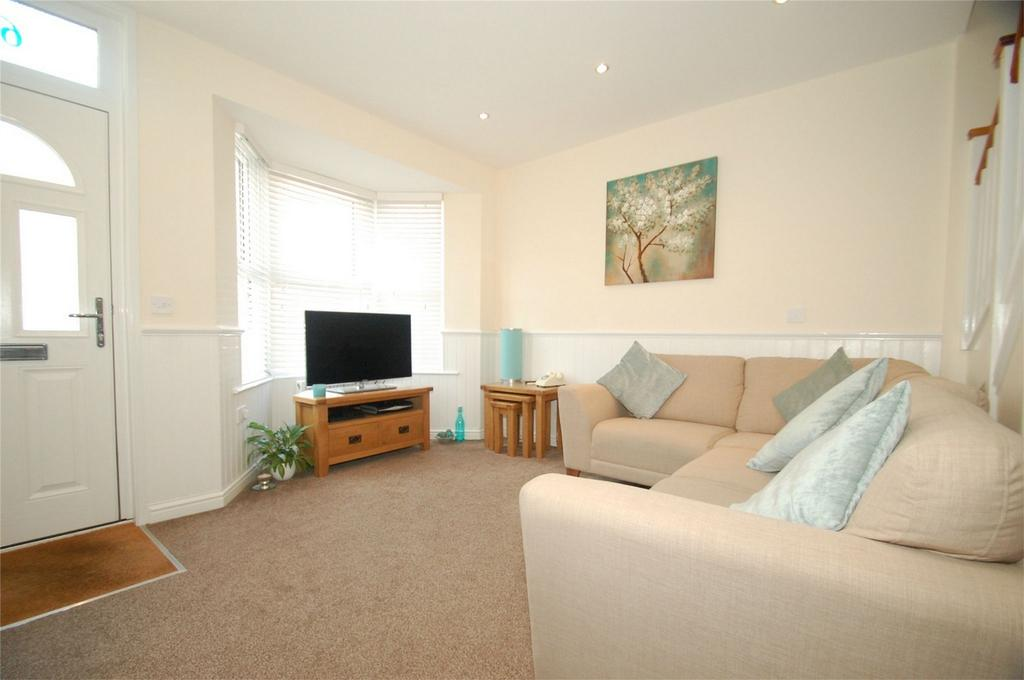 3 Bedrooms Terraced House for sale in Albany Road, Gillingham, Kent