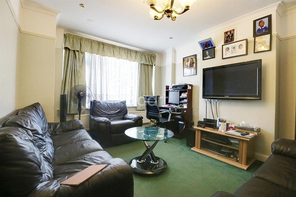 3 Bedrooms Terraced House for sale in Keston Road, Thornton Heath, CR7