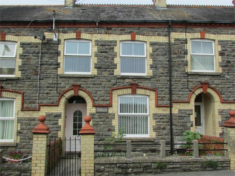 2 Bedrooms Terraced House for sale in Gilfach, 2 Intermediate Terrace, North Road, Whitland