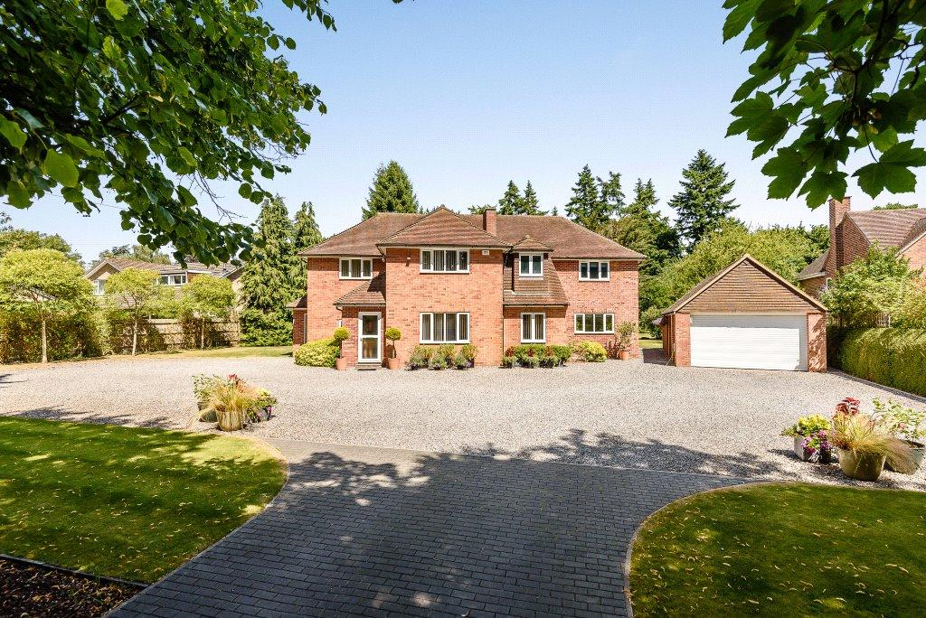 5 Bedrooms Detached House for sale in Chartwood, Garden Close Lane, Newbury, RG14