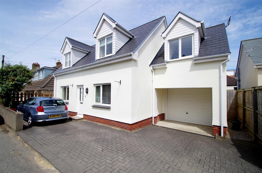3 Bedrooms Detached House for sale in Wellclose Road, Braunton