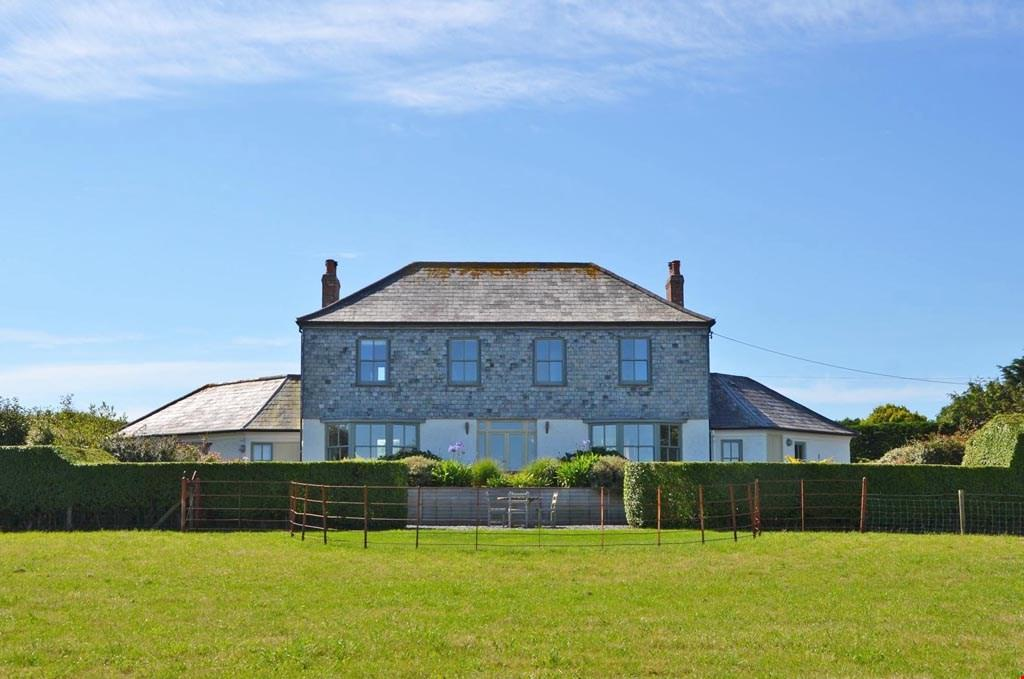 4 Bedrooms Detached House for sale in Between Porthcothan Bay and St Merryn, Nr. Padstow, Cornwall, PL28