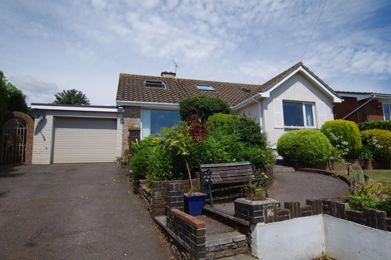 3 Bedrooms Detached Bungalow for sale in Oakley Close, Teignmouth