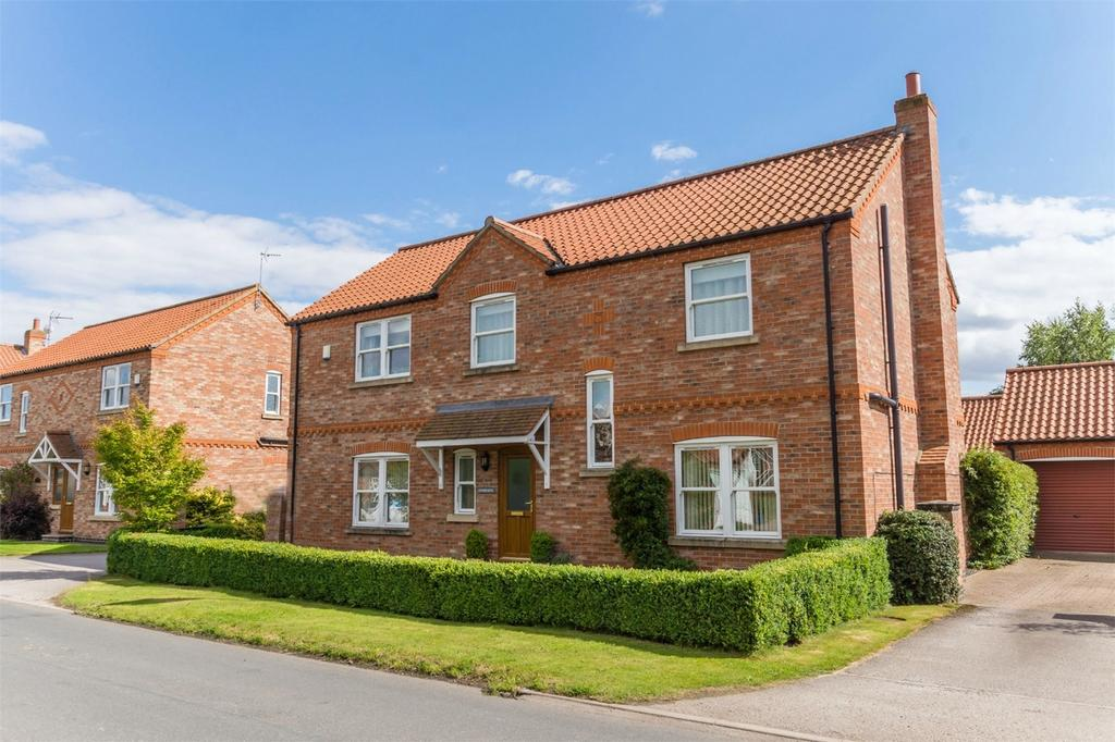 4 Bedrooms Detached House for sale in Lindisfarne, Skipwith, Selby, North Yorkshire