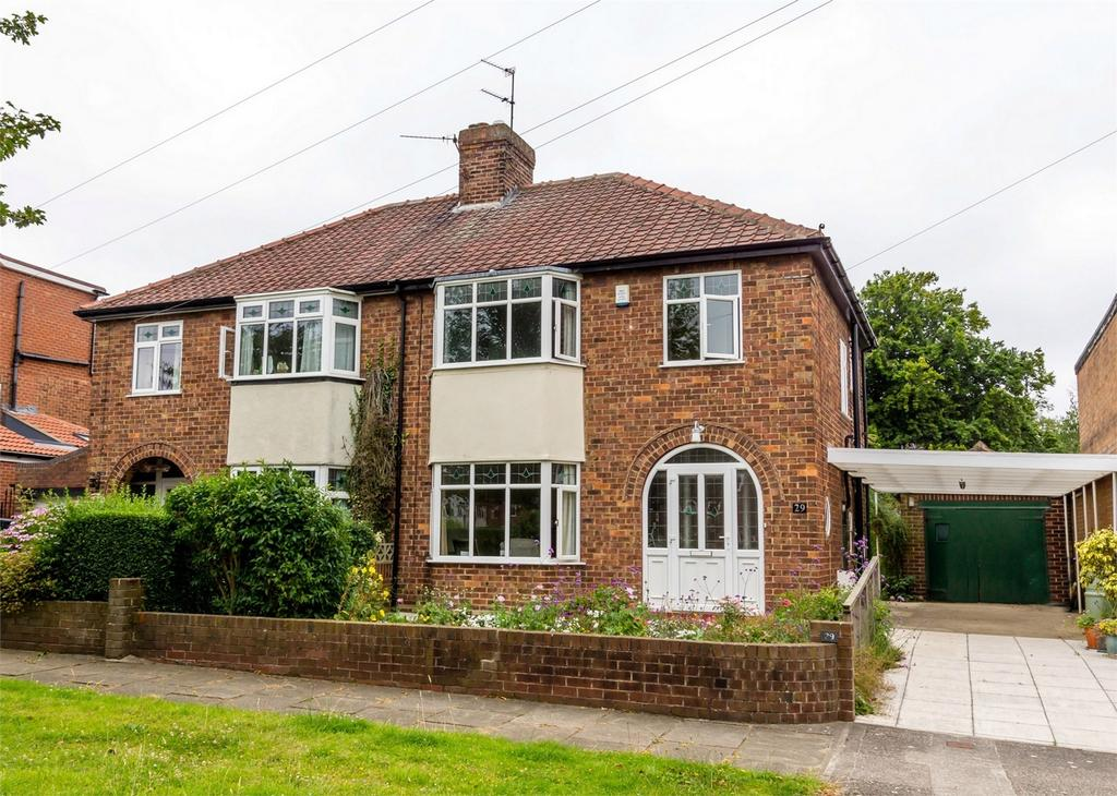 3 Bedrooms Semi Detached House for sale in Hunters Way, Dringhouses, YORK