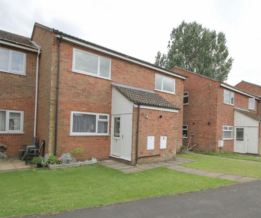 2 Bedrooms Detached House for sale in Woodside Court, Attleborough, Norfolk