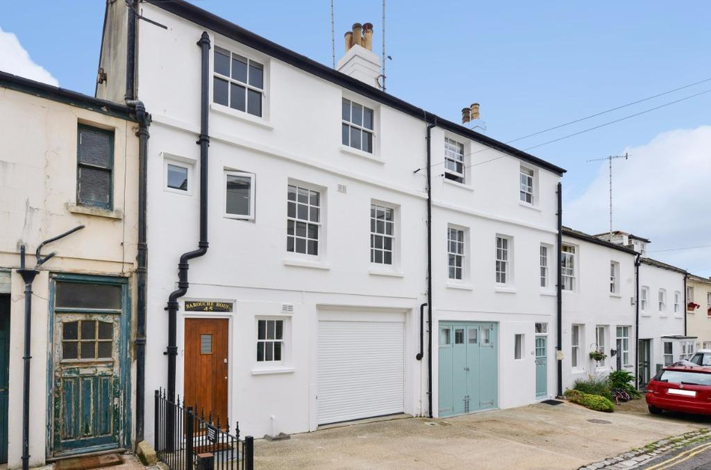 3 Bedrooms Town House for sale in Holland Mews Hove East Sussex BN3