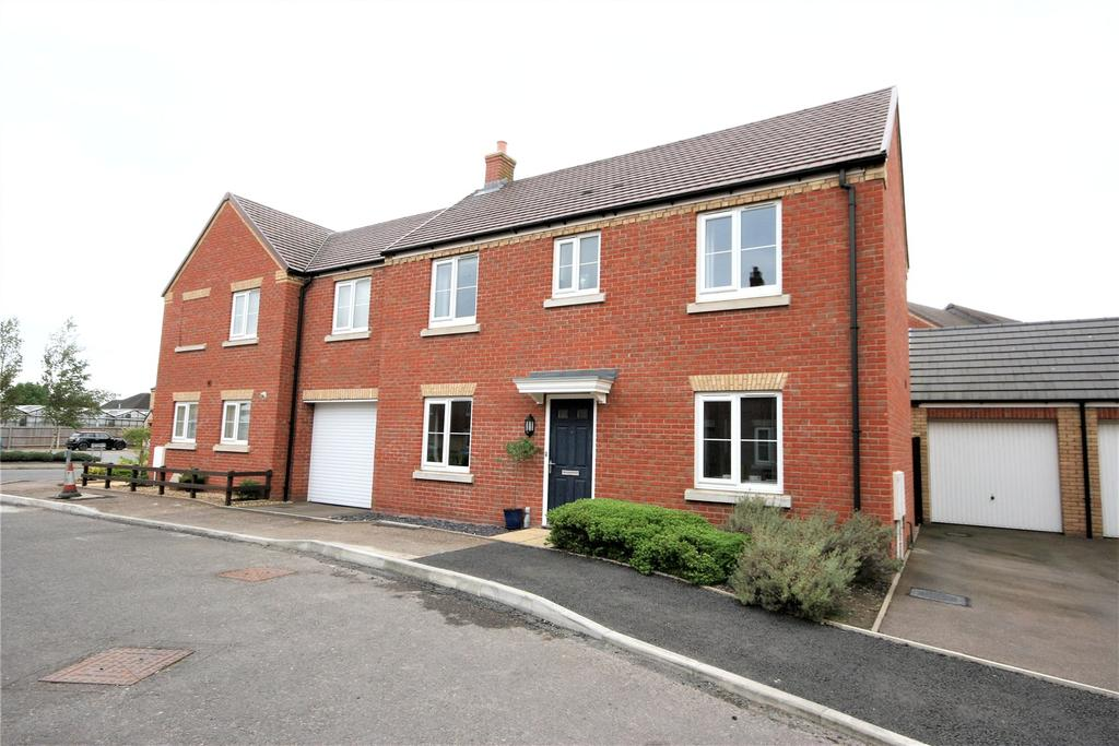 3 Bedrooms Semi Detached House for sale in Eider Grove, Spalding, PE11