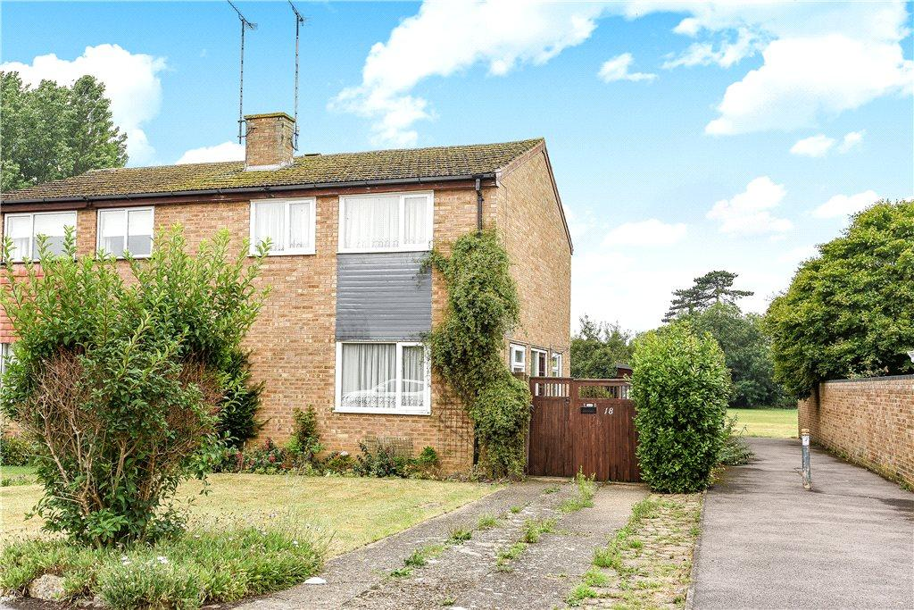 3 Bedrooms Semi Detached House for sale in Trent Drive, Newport Pagnell, Buckinghamshire