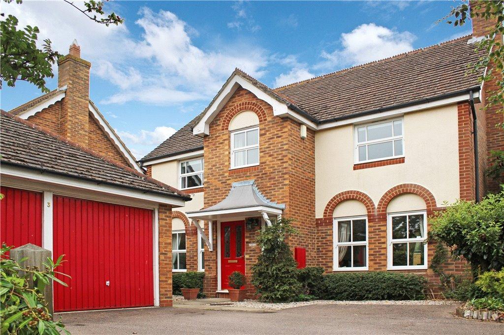 4 Bedrooms Detached House for sale in Swan Close, Aylesbury, Buckinghamshire