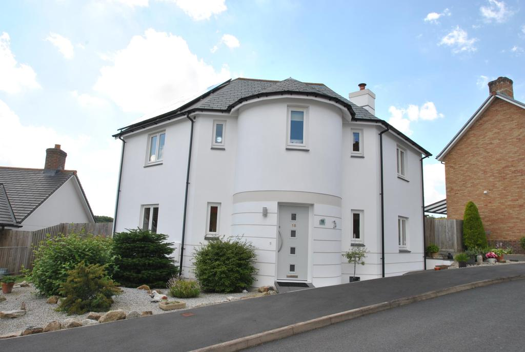 3 Bedrooms Detached House for sale in Molesworth Way, Holsworthy
