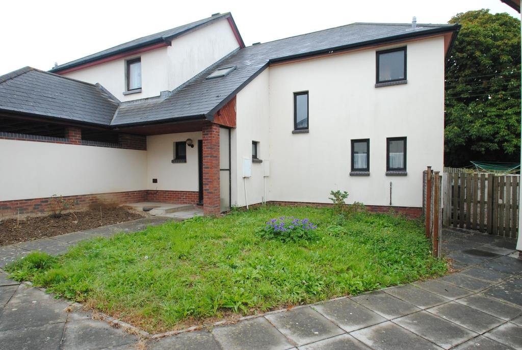 3 Bedrooms Semi Detached House for sale in Ashton Crescent, Braunton