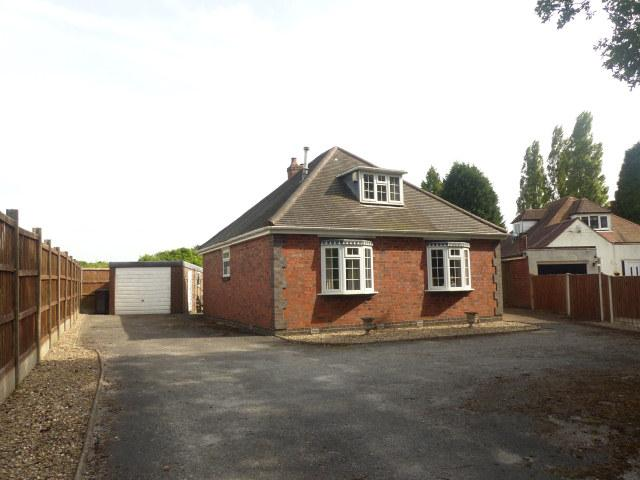 2 Bedrooms Detached Bungalow for sale in Tamworth Road,Bassetts Pole,Sutton Coldfield