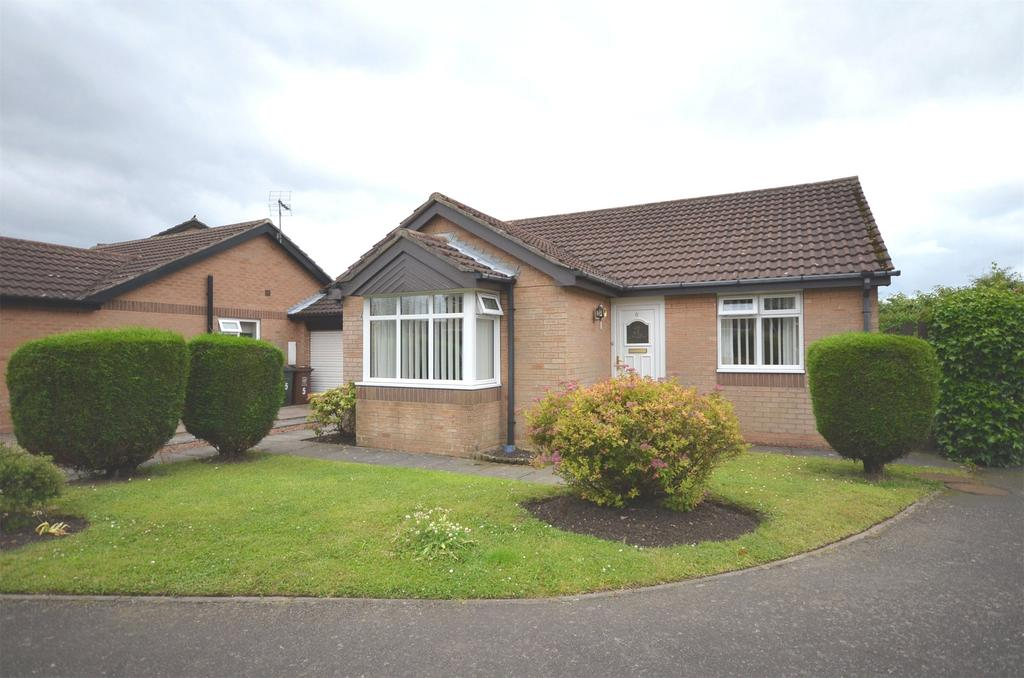 2 Bedrooms Semi Detached Bungalow for sale in Meadow Rise