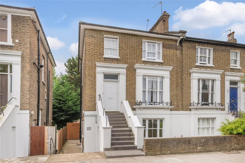 2 Bedrooms Flat for sale in Bartholomew Road, Kentish Town, London
