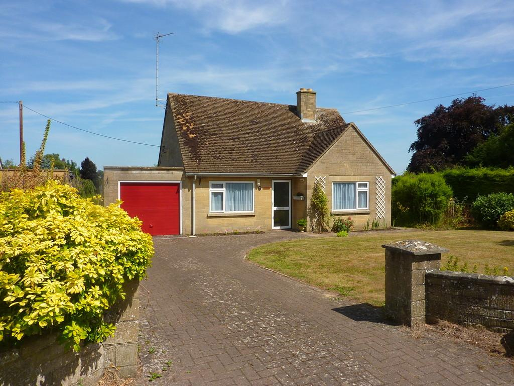 2 Bedrooms Detached Bungalow for sale in Church Lane, Middle Barton
