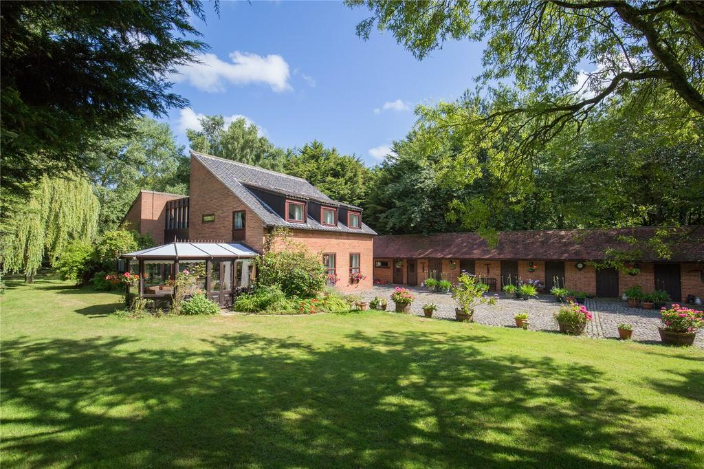 4 Bedrooms Detached House for sale in Norwich Road, Smallburgh, Norwich, Norfolk, NR12