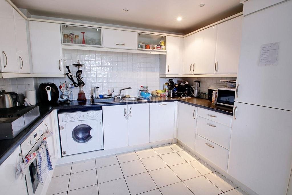 2 Bedrooms Flat for sale in Windmill Road