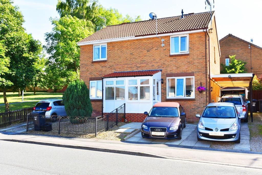 3 Bedrooms Semi Detached House for sale in Yarrow Drive, Harrogate