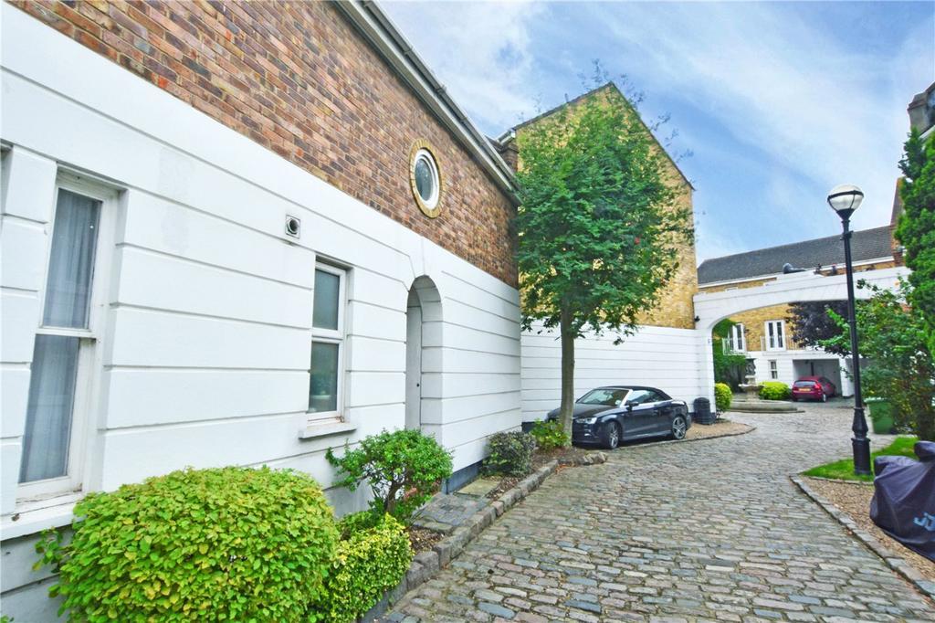 2 Bedrooms Terraced House for sale in Robinscroft Mews, Sparta Street, Greenwich, London, SE10