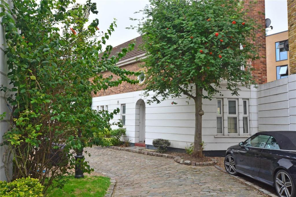 2 Bedrooms Terraced House for sale in Robinscroft Mews, Sparta Street, Greenwich, London, SE10