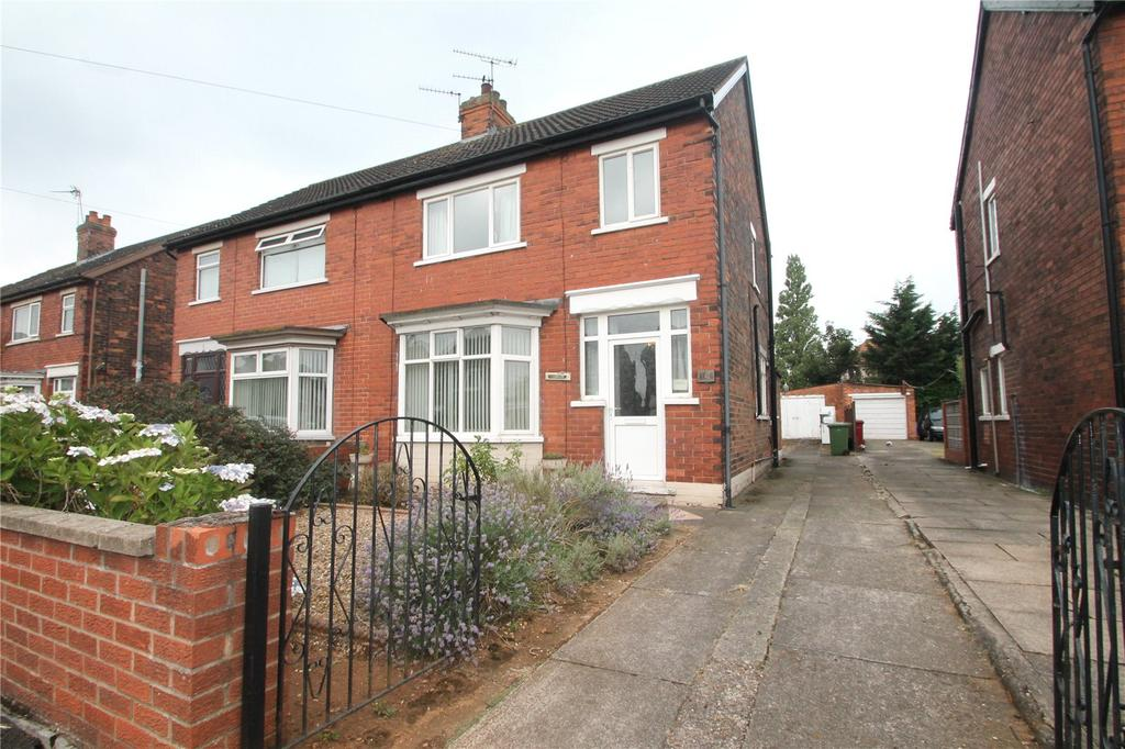3 Bedrooms Semi Detached House for sale in Ravendale Street South, Scunthorpe, DN15
