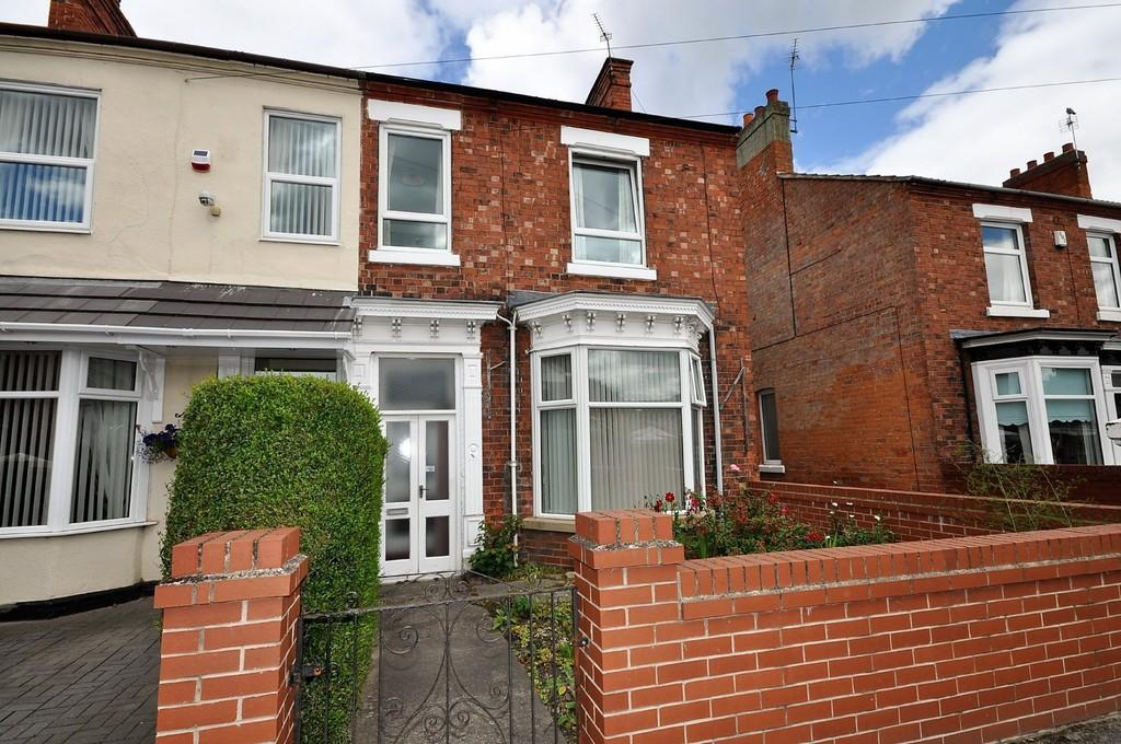 3 Bedrooms Semi Detached House for sale in Plantation Road, Thorne, Doncaster