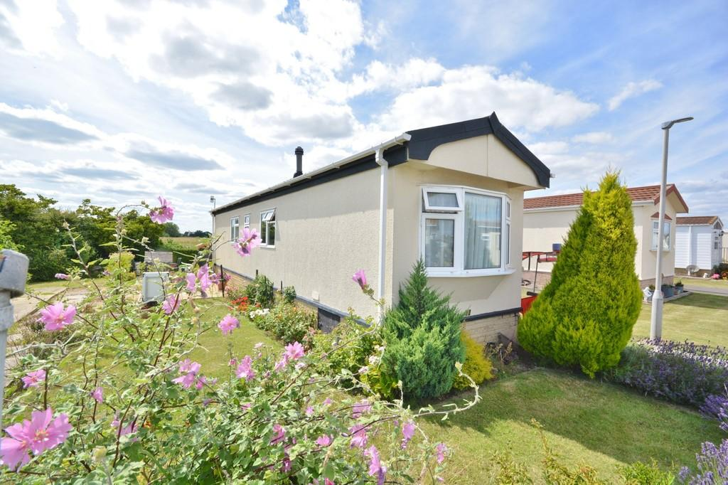 2 Bedrooms Mobile Home for sale in Lancing