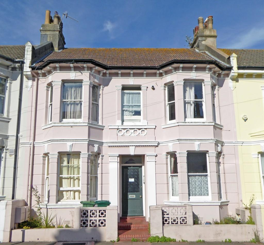 2 Bedrooms Flat for sale in Stafford Road, Brighton