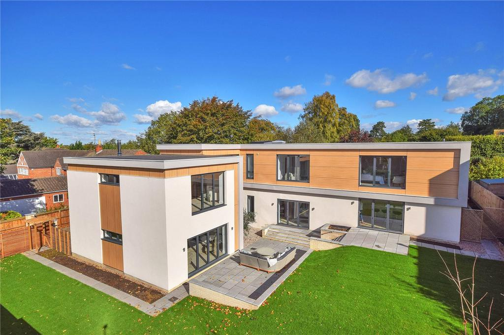 5 Bedrooms Detached House for sale in Cornell House, First Drift, Wothorpe, Stamford, PE9
