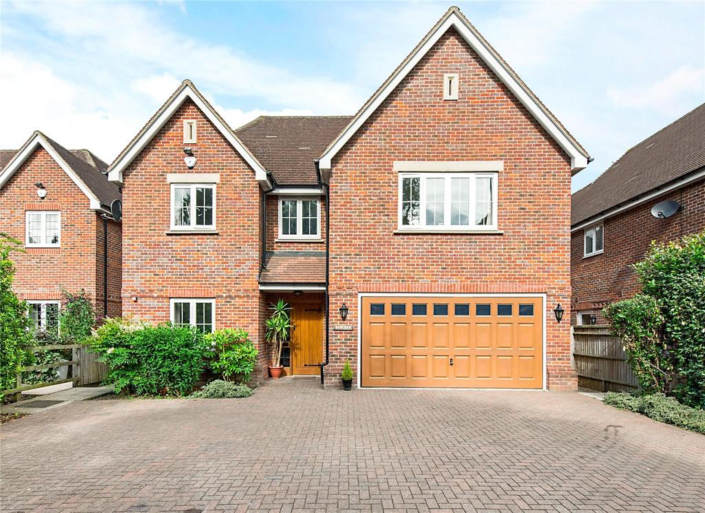 5 Bedrooms Detached House for sale in Beaconsfield Road, Farnham Royal, SL2