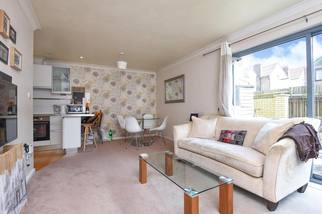 2 Bedrooms Flat for sale in Harberson Road, Balham