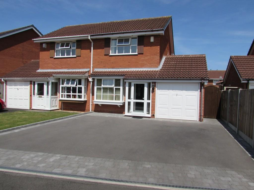 2 Bedrooms Semi Detached House for sale in Blaythorn Avenue, Solihull