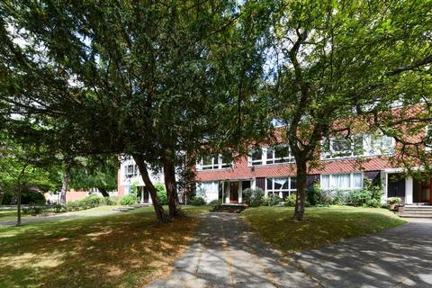 3 bedroom flat to rent - Rouse Gardens, Dulwich, London, SE21 8AQ